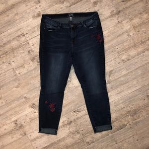Ruff Hewn 18W dark blue embroidered  jeans